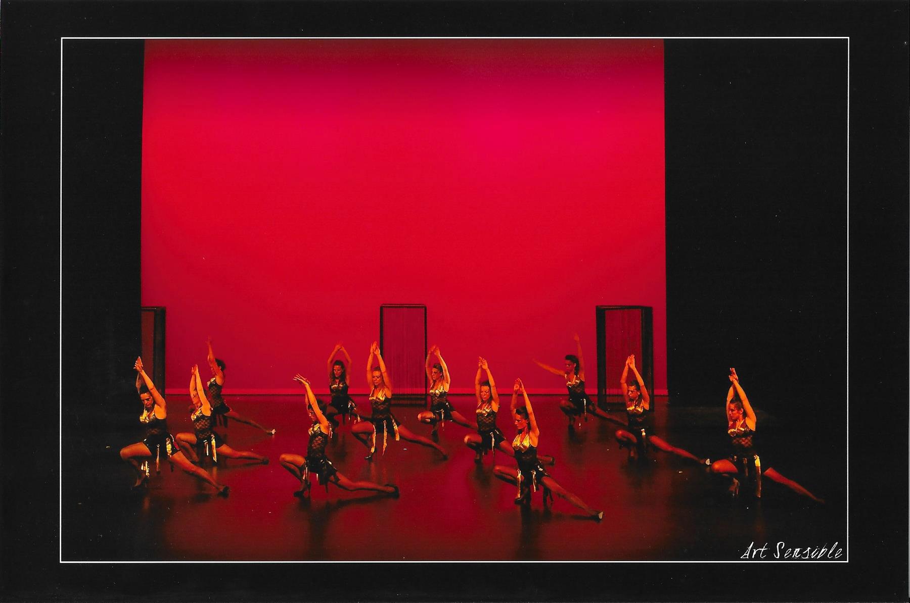 photo du spectacle 2015 de l'école de danse KHD à mont de marsan